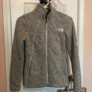 grey North Face jacket GREAT CONDITION